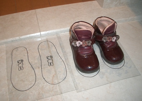 材料費108円!子どもがあっさり玄関の靴を揃えるようになるワザ